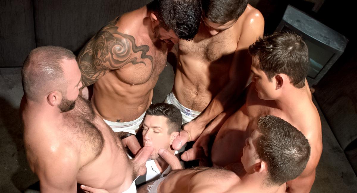 направо човек случайно cums твърде рано в устата на гей съквартиранти